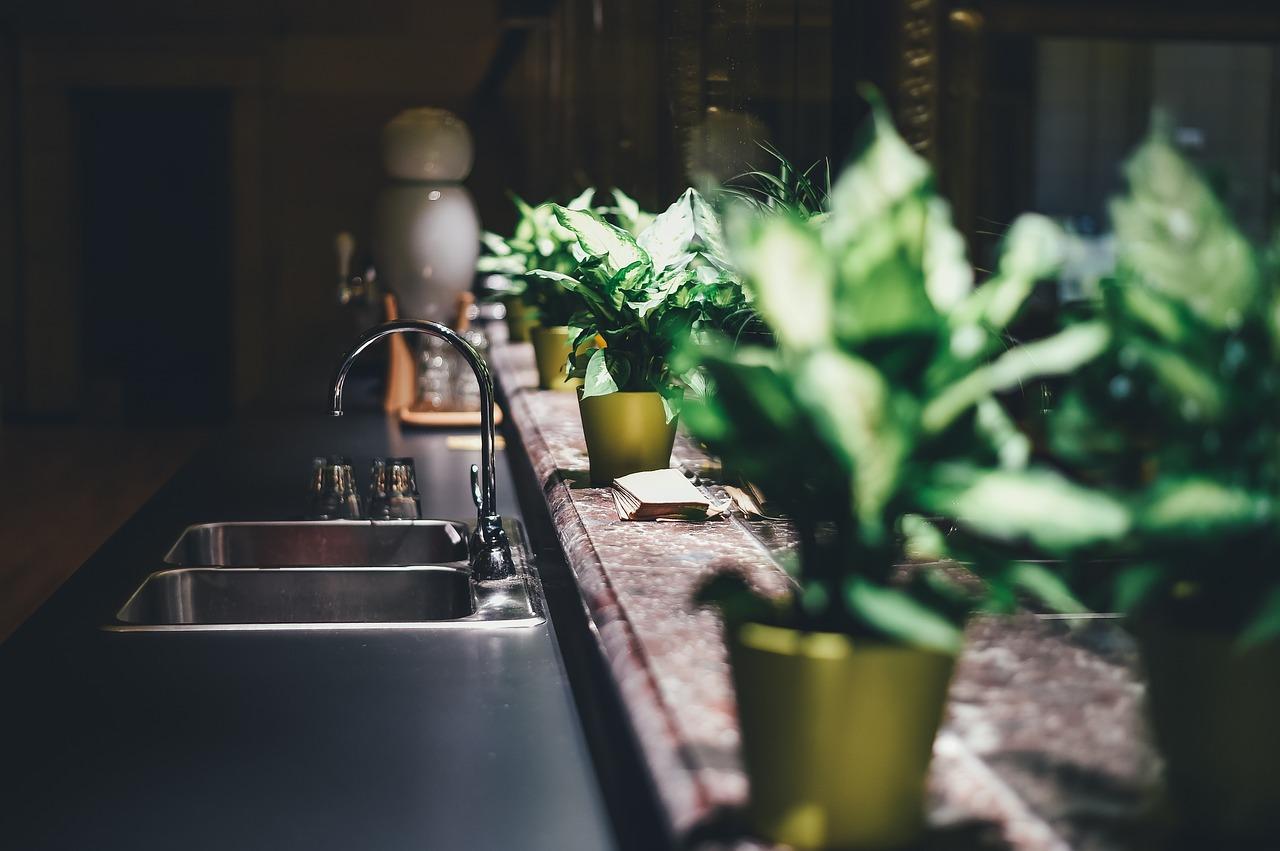 כך תבחרו טוחן אשפה מתאים עבור המטבח שלכם